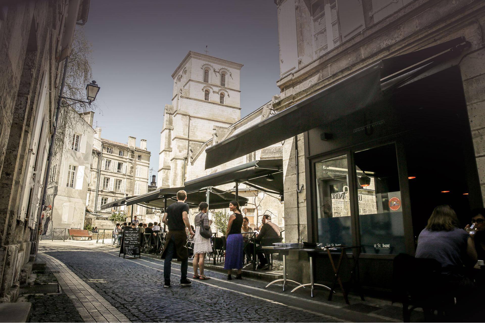 Venez découvrir la terrasse du restaurant Saint André Angoulême