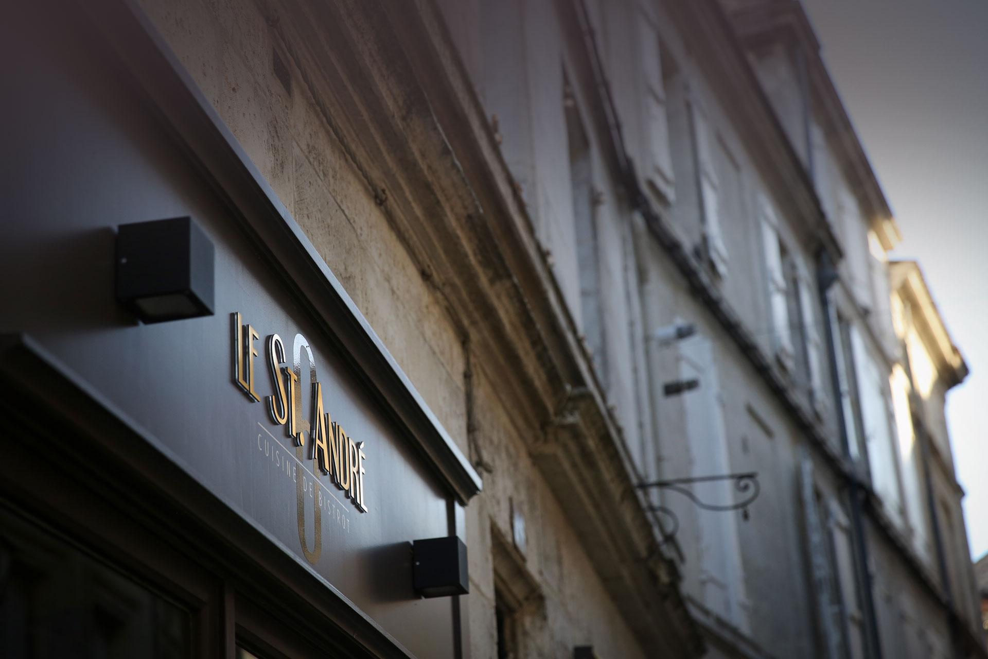Enseigne le restaurant St André Angoulême